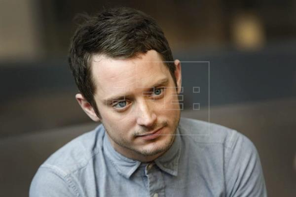 El actor Elijah Wood denuncia abusos a menores en Hollywood