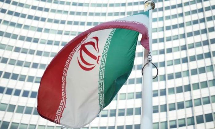 Los candidatos para las elecciones de Irán se movilizan a un mes de los comicios