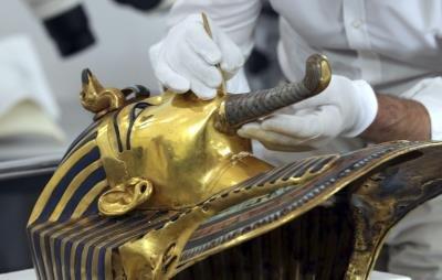Eckmann: la barba de Tutankamón puede permanecer en su lugar al menos otros 100 años