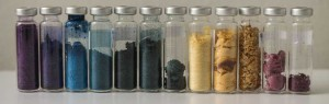 Una vez que se produce la biomasa y extraen los pigmentos, se envían en forma de extracto líquido o en polvo seco para ensayar las posibilidades en los procesos de tinción de tejidos. Imagen del proyecto Seacolors.