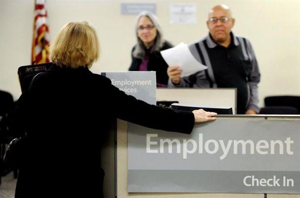 Las solicitudes semanales del subsidio por desempleo en EEUU suben en 3.000