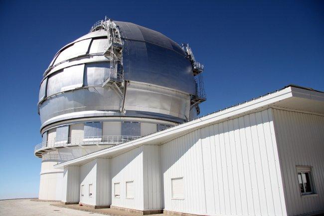 EMIR, un espectógrafo de 5 toneladas, en el Gran Telescopio Canarias