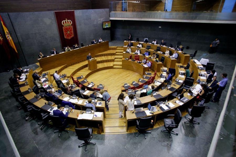 El Parlamento de Navarra aprueba la extensión de la zona mixta de 'euskera' en Navarra