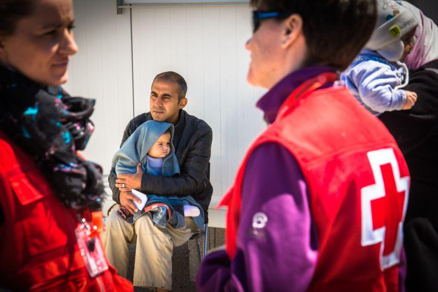 El 56,3% de las personas atendidas por Cruz Roja son mujeres