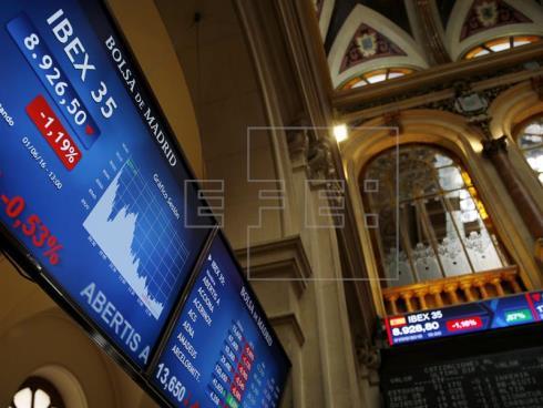 El IBEX 35 abre con un repunte del 0,04 % y alcanza los 8.579 puntos