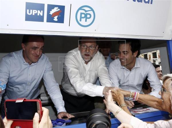 26 J.- Rajoy, en Navarra, respalda las diputaciones provinciales como garantes del mundo rural