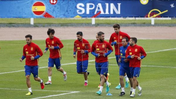 España, ante un examen táctico que se le atraganta