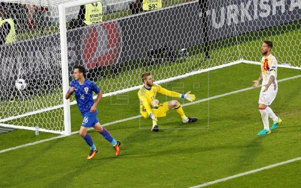 1-2. España pierde ante Croacia y se condena a jugar ante Italia en octavos