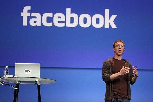 Zuckerberg admite Cambridge Analytica accedió a sus propios datos