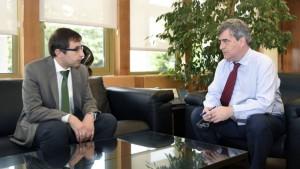 Enrique Gómez Bastida, director de la AEPSAD, y Miguel Cardenal, presidente del CSD, en una reunión reciente (EFE