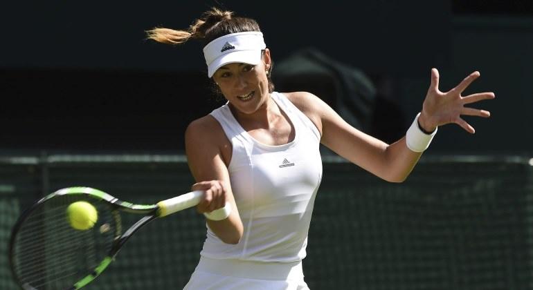 Muguruza vence a Kerber por segunda vez en Wimbledon y pasa a cuartos