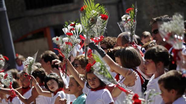Mañana 'Día infantil' con la Ofrenda a San Fermín, marionetas festival de danzas