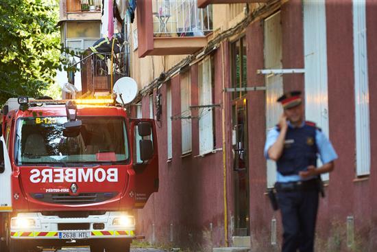 Dos hermanos de 6 y 4 años fallecen al incendiarse su piso en Barcelona