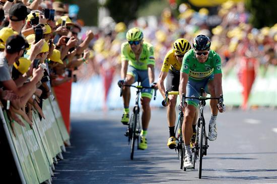 Sagan suma su segunda etapa tras formar un abanico con Froome