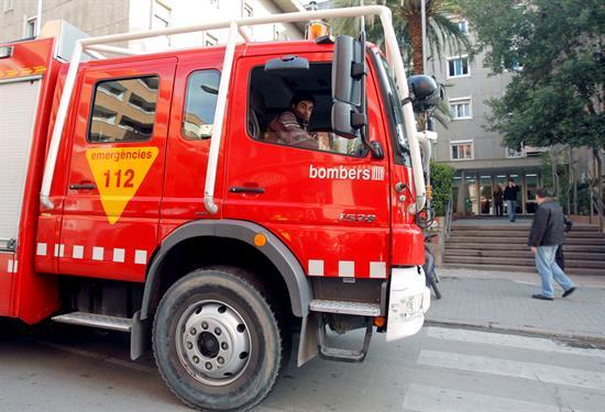 Se derrumba una casa en Vilanova (Barcelona) y deja tres heridos