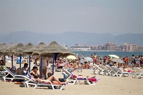 Agosto marcó otro récord de turistas extranjeros en un mes con 10,4 millones