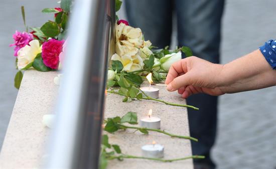 Múnich recupera la normalidad tras el tiroteo de un joven germano-iraní que causó 9 muertos