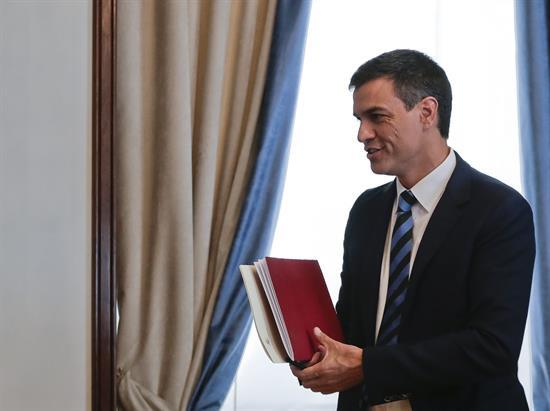 Sánchez propone una comisión en el Congreso para modernizar el modelo territorial