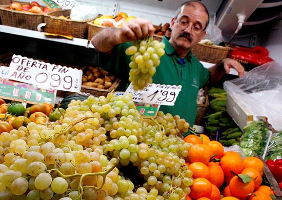 IPC modera su caída hasta el 0,6 % al subir el precio de alimentos en julio