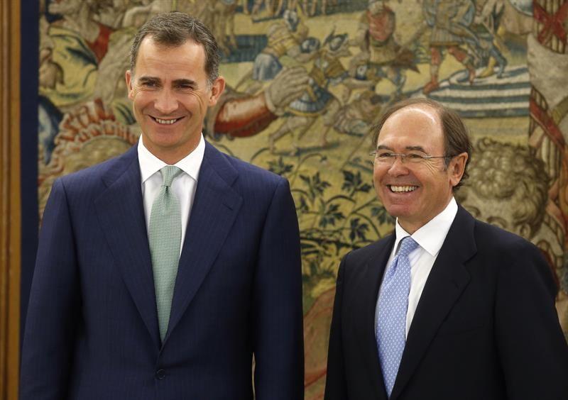 El Rey recibe a García-Escudero después de reunirse con Ana Pastor