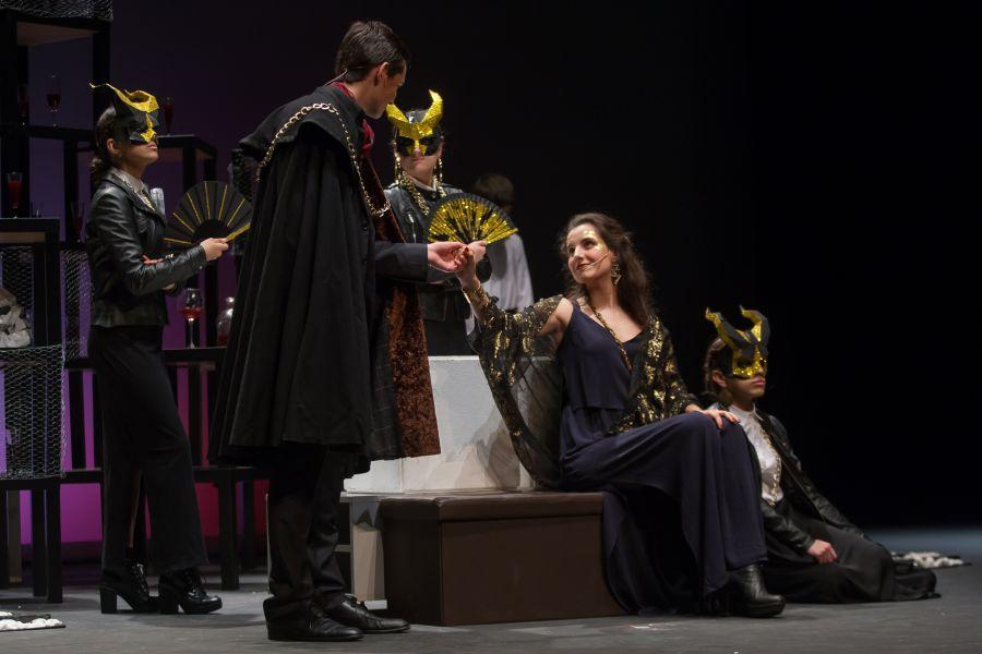 El grupo de teatro de la Universidad de Navarra finalista en el Festival de Escuelas de Teatro de Bilbao con Hamlet