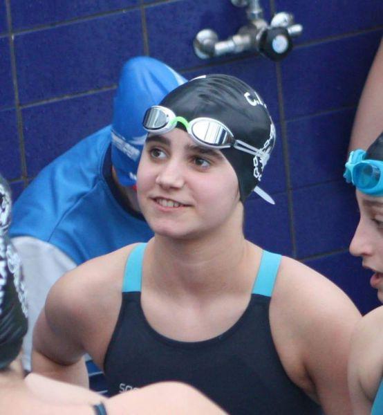 La nadadora navarra, Victoria Aizpún, participa en los Campeonatos de España