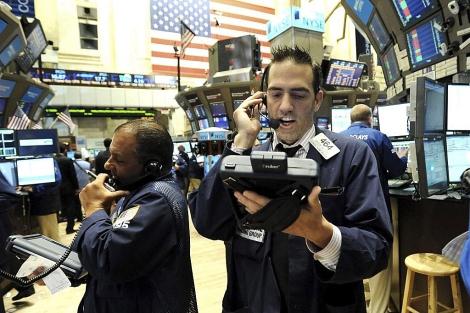 Wall Street pulveriza máximos históricos con el Dow Jones en 20.000 puntos