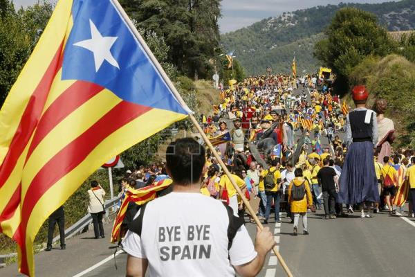 Los catalanes que desean la independencia superan a los que no
