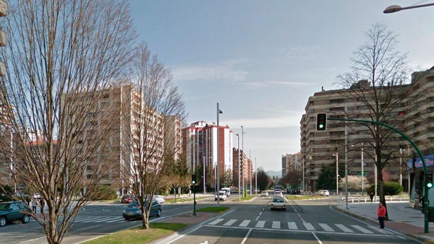 La avenida Pío XII estará cortada al tráfico mañana de 9.30 a 11.30 horas entre Vuelta del Castillo y Ejército, dirección centro ciudad, para retirar ramas de árboles