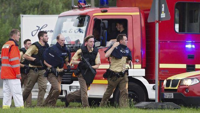 Tres personas armadas y a la fuga, autores del ataque de Múnich, según los testigos