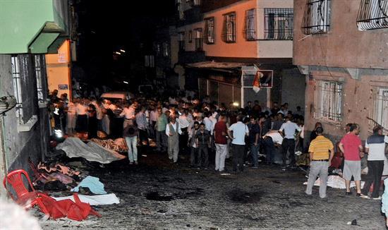 Mas de la mitad de los muertos en el atentado suicida en el sur de Turquía son niños