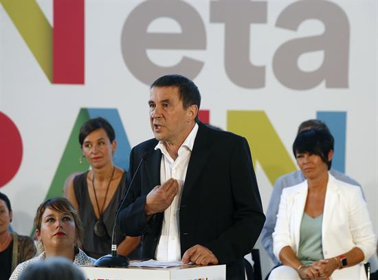 Otegi plantea para Euskadi un tripartito PNV-EH Bildu-Podemos como en Navarra