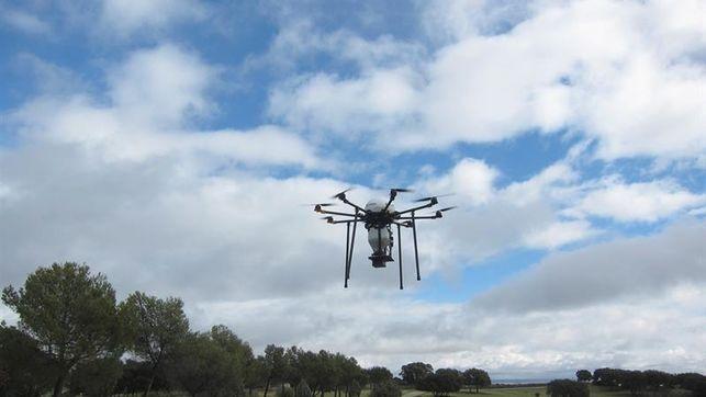 Drones para atrapar la polución y reciclarla como material de impresión en 3D