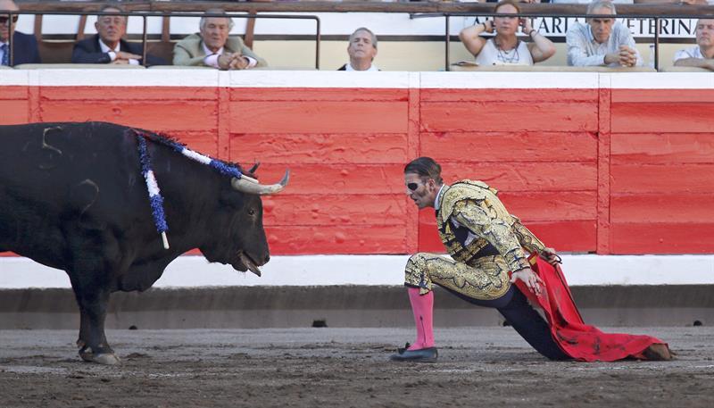 Oreja de despedida para Padilla en una tarde anodina de toros y toreros en Bilbao