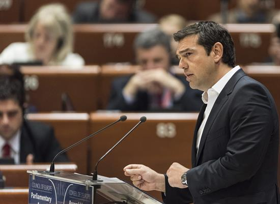 Tsipras seguro de que crecimiento y confianza regresarán pronto a Grecia