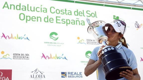Azahara Muñoz, primera española que gana el Abierto de España
