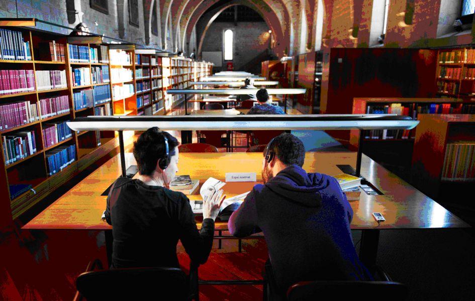 El Gobierno de Navarra y el Ayuntamiento de Pamplona firman un convenio para la gestión de las bibliotecas públicas de la ciudad