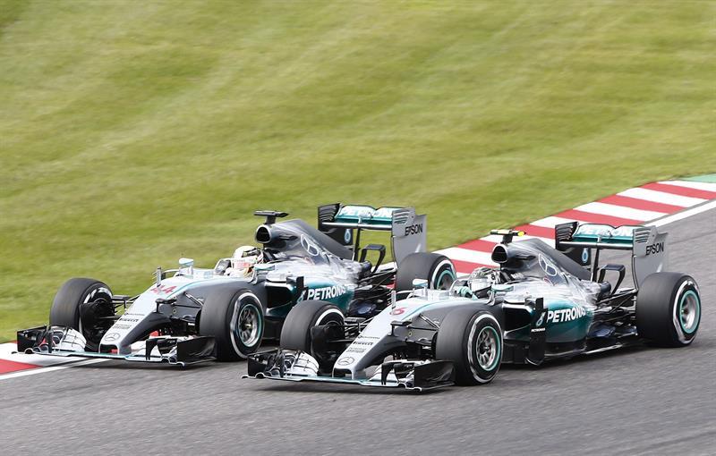 Hamilton y Rosberg se preparan para la batalla por la 'pole position'