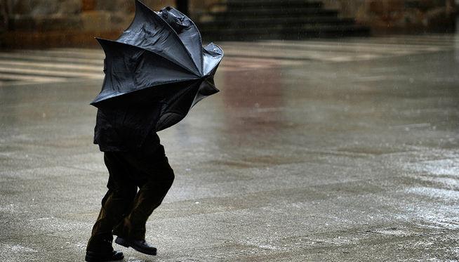 Policía Municipal aconseja precaución ante la previsión de viento y lluvias en Pamplona