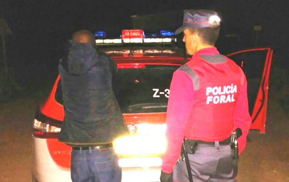 Detenido en Tudela tras una pelea y acometer contra los policías forales