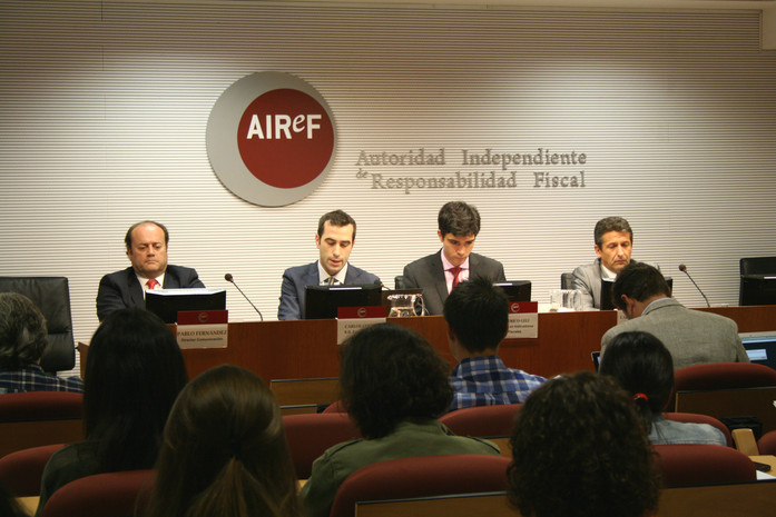 """La autoridad fiscal considera """"factible"""" que Navarra alcance el objetivo de déficit"""