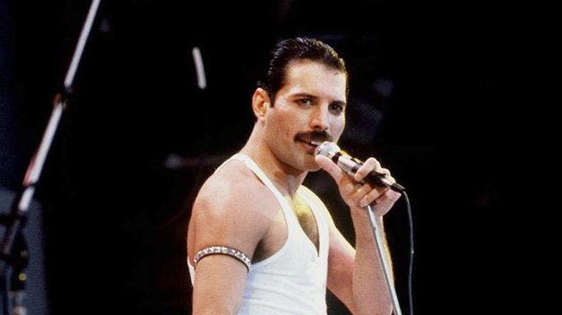 Se edita un álbum con conciertos y entrevistas de Queen para la BBC