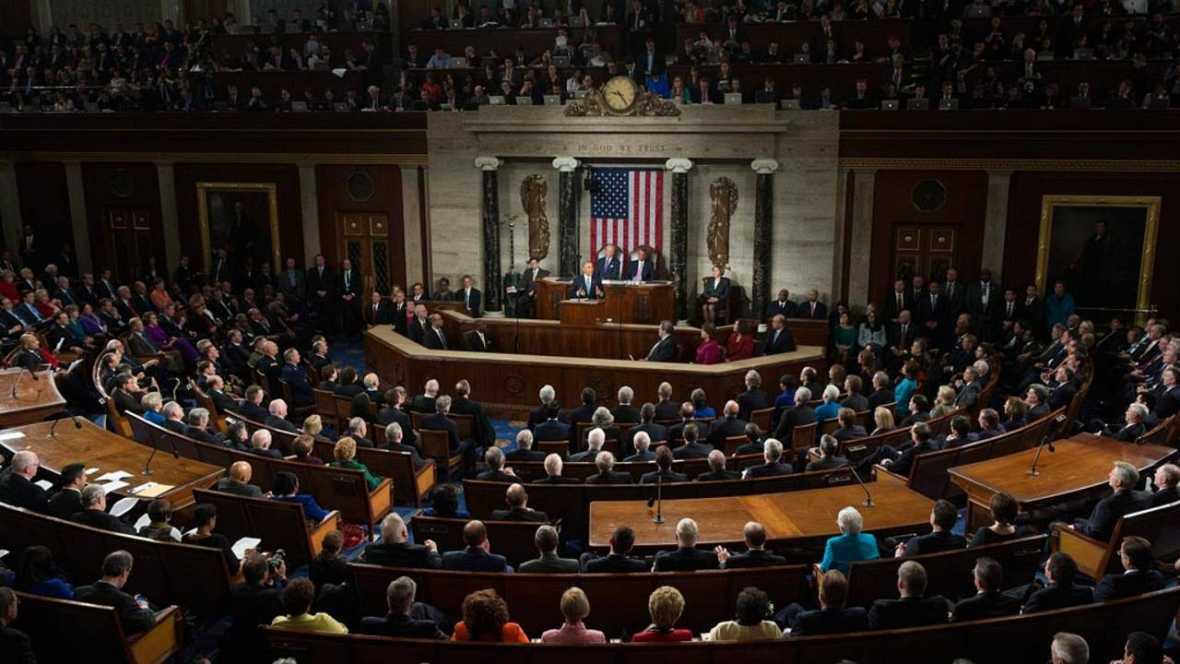 Los republicanos posponen la votación para derogar el 'Obamacare' a este viernes por falta de apoyo