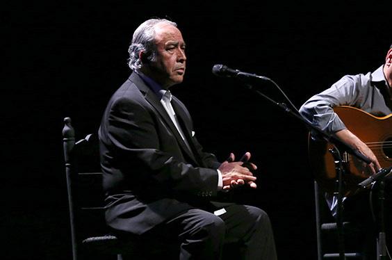 Las redes sociales lamentan la muerte del cantaor Paco Taranto a los 76 años