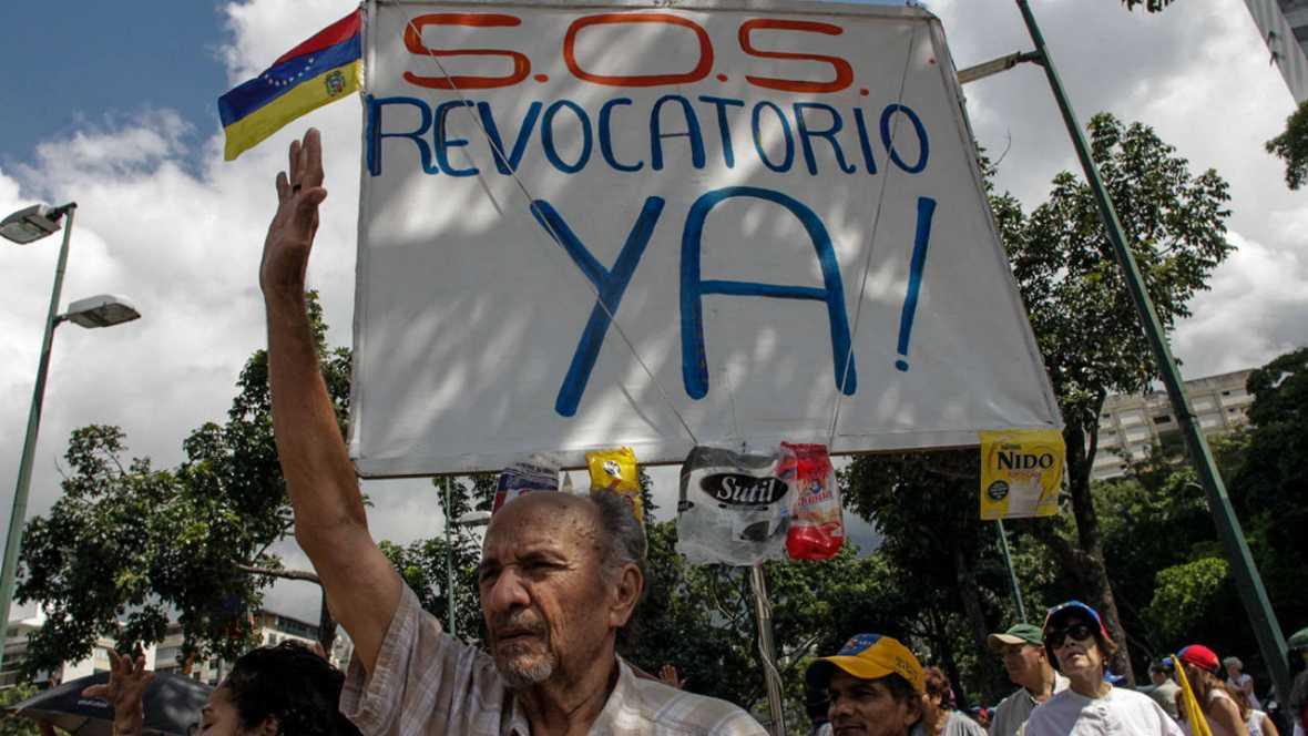 El Poder Electoral venezolano pospone la última fase para la convocatoria del revocatorio