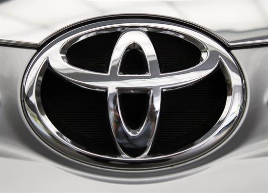 Toyota llama a revisión 5,8 millones de coches por un fallo en airbags de Takata