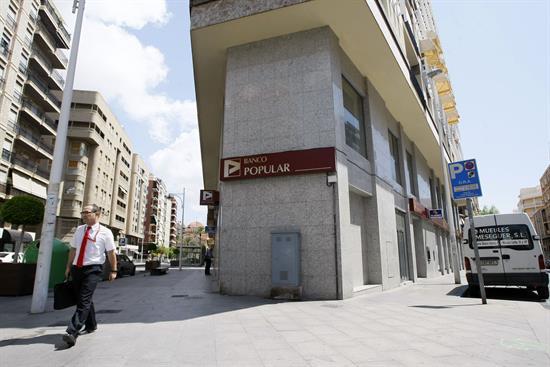 El Banco Popular se desploma más del 5 % y ahonda en mínimos