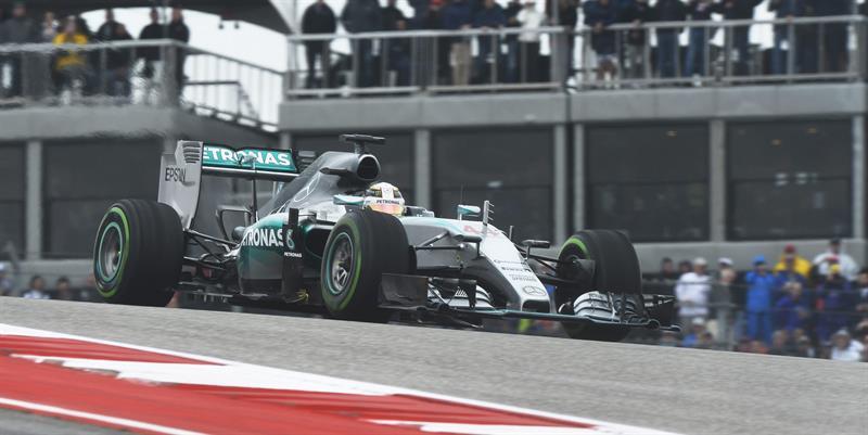 Hamilton gana en Austin y acaricia el título; Sainz brilla con el 7º