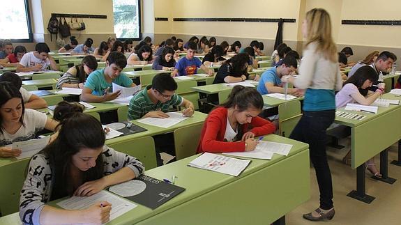 Navarra suscribe la petición de consejos escolares de paralizar las reválidas