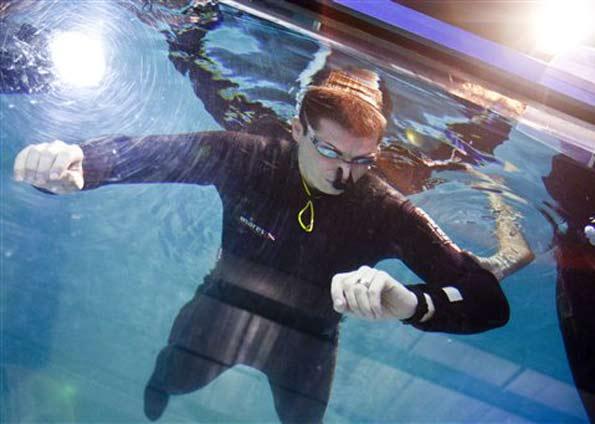 Aguante bajo agua y el equipo del Sevilla, récords españoles en el «Guinness»